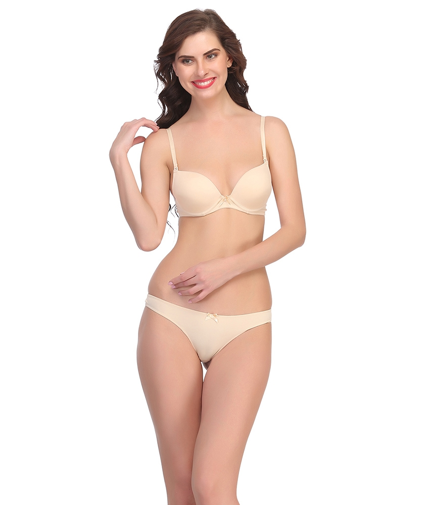 Find your matching lingerie for ethnic wear with Clovia
