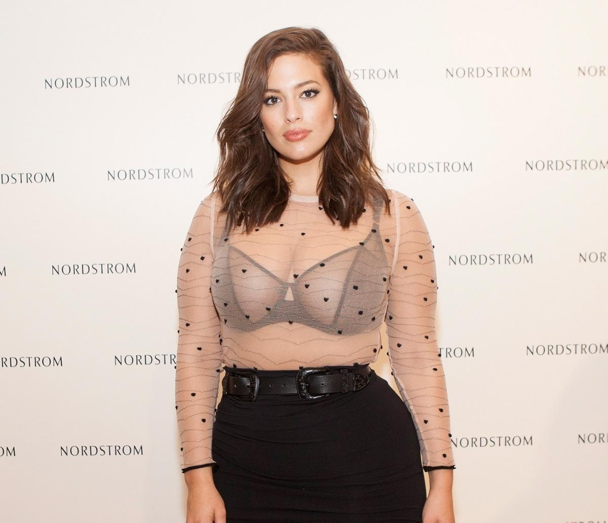 Ashley Graham promotes plus size range!