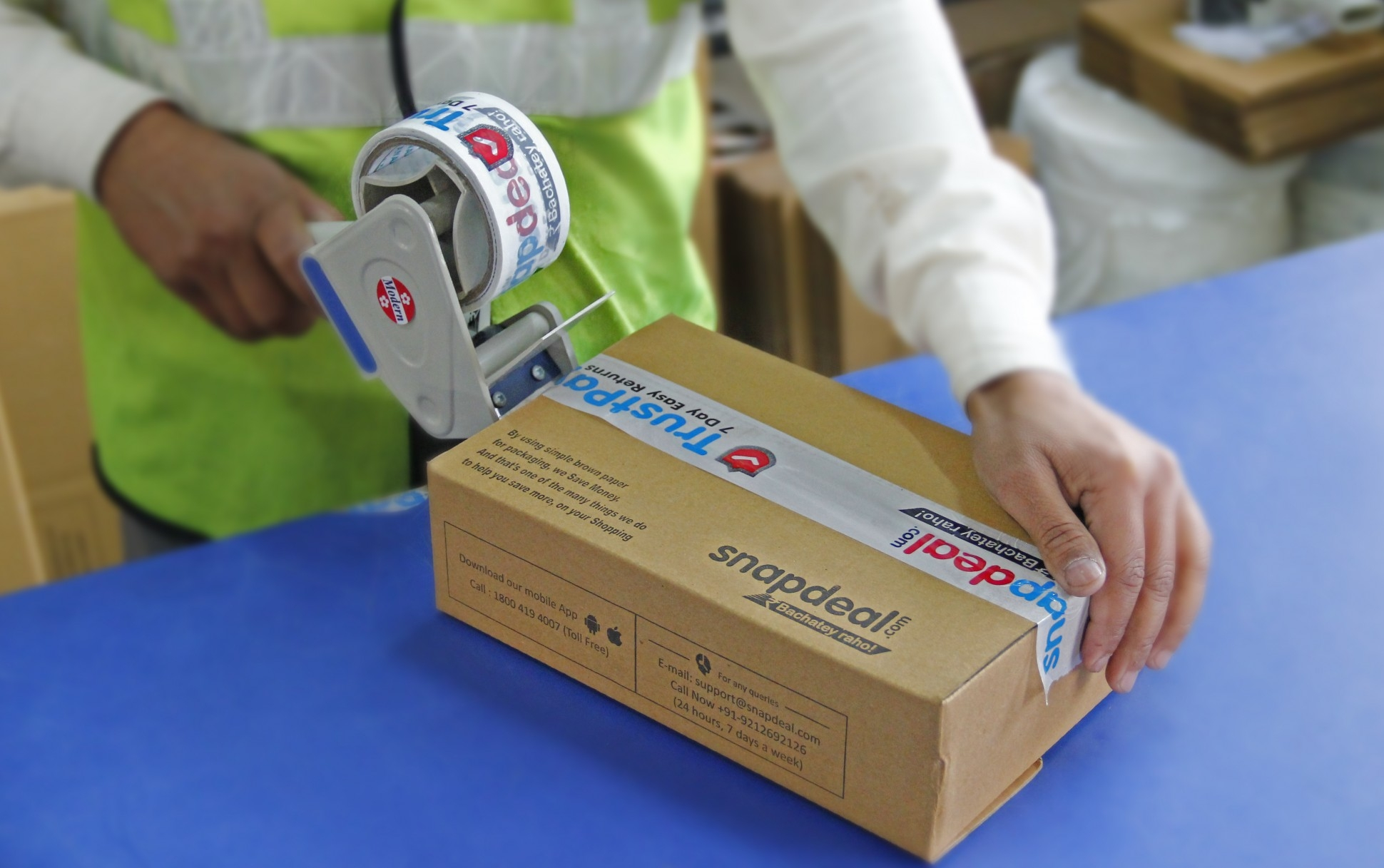 Snapdeal brings products to you at  lightening speed