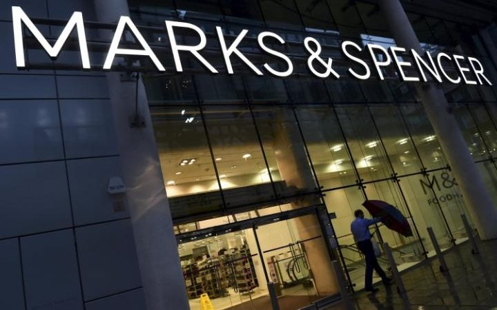Marks & Spencer restructures, ready to shut 30 UK stores